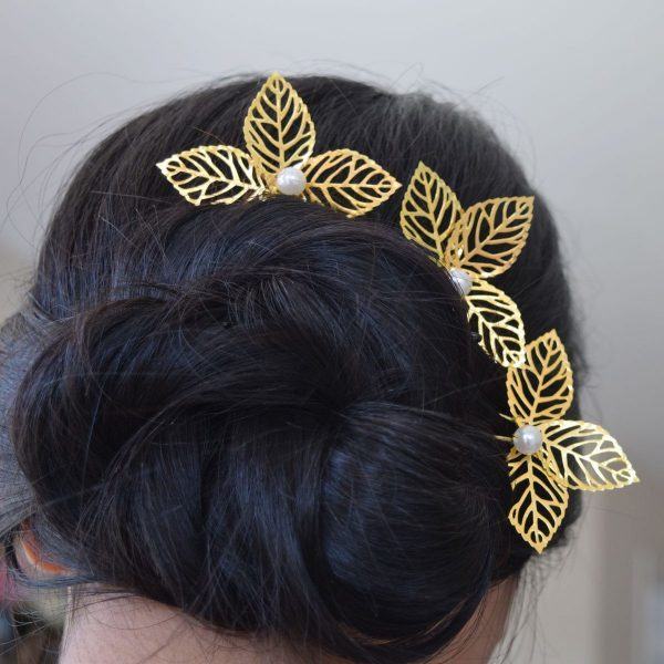 Beautiful Gold Wedding Hairpin with Leaves and Pearls
