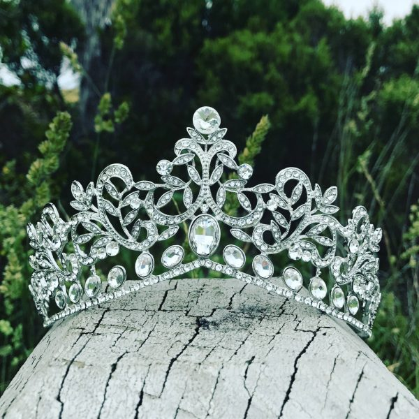 Wedding Crown Bridal Tiara with Crystals in Silver